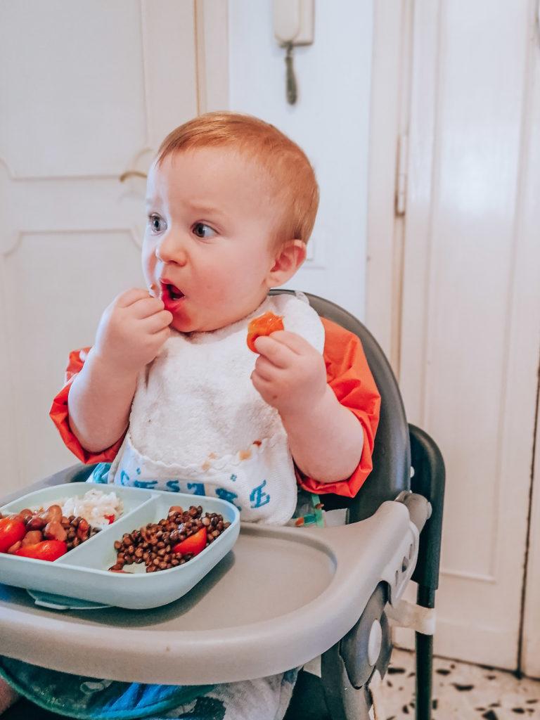 Alimentation en dme végane de mon bébé à 1 an sur sa chaise haute