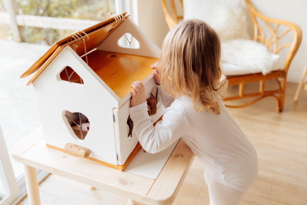 idées de cadeaux déco pour chambre de bébé de 2 ans